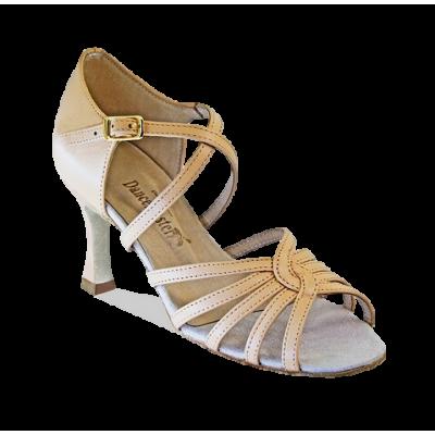 Die Schuhe für die lateinamerikanischen Tänze, das Modell 1415 Dancemaster.